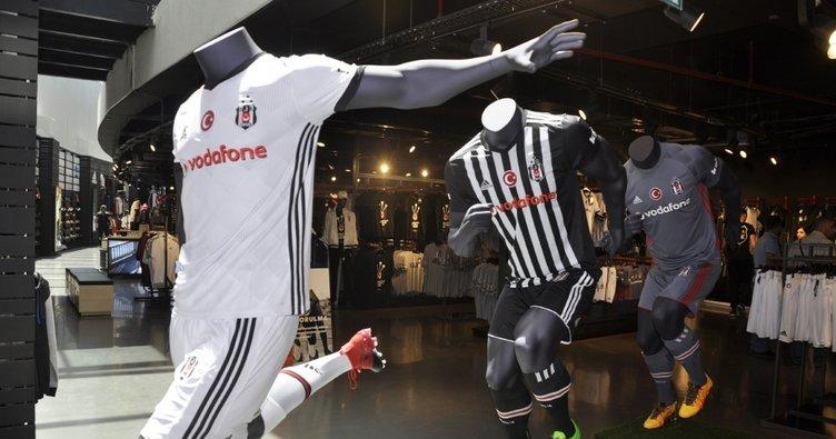 Beşiktaş'ın yeni formalarına büyük ilgi