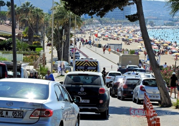 1 milyonu aştı! Turizmin gözdesi Çeşme'de adım atacak yer kalmadı