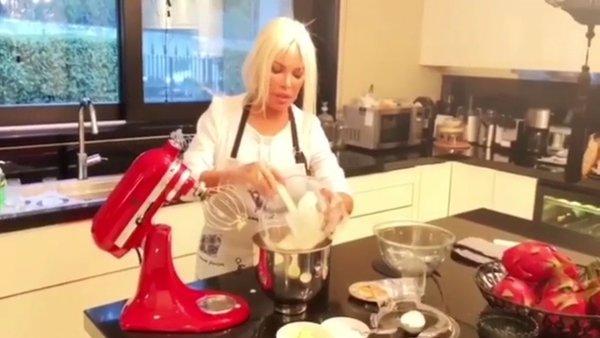 Ajda Pekkan'dan flaş corona virüsü karantinası paylaşımı   Video