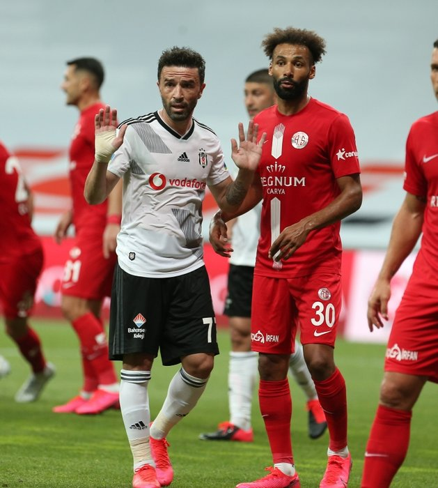 Transferde son dakika: Rıdvan Dilmen'den Fenerbahçe'ye golcü itirafı! O ismi hayalinde görür