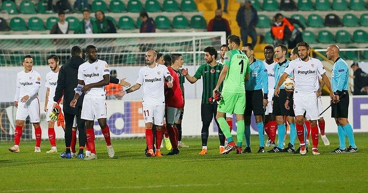 Akhisarspor sergilediği futbol ile alkış topladı