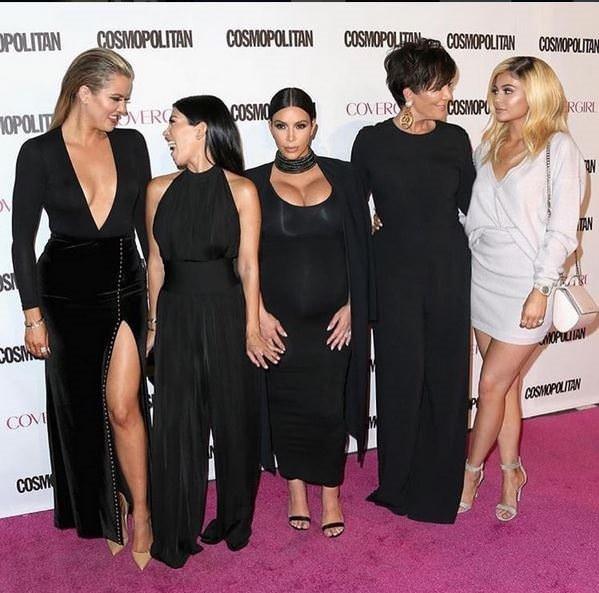 Kim Kardashian Cosmopolitan'ın 50.Yılında