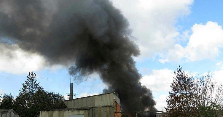 Kartal'da fabrikada yangını