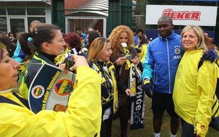 Fenerbahçe antrenmanını kadınlar da izledi