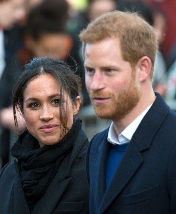İngiliz basınında alay konusu oldu...Prens Harry ve Meghan Markle'ın tabağındaki büyük hata!