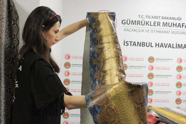 İstanbul Havalimanı'nda ele geçirilen yılan derilerinin değeri 320 bin TL