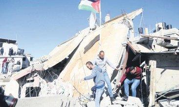 İsrail toplama kampı: 150 Filistinliyi statta alıkoydular