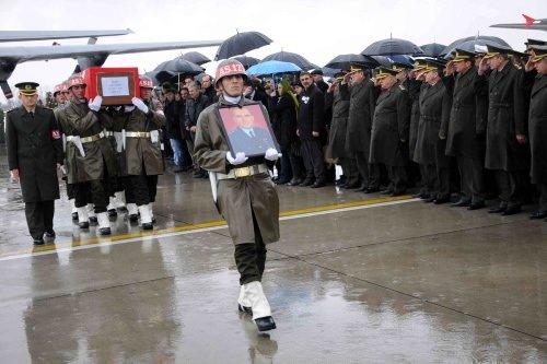 Şehit Pilot gözyaşları içinde uğurlandı