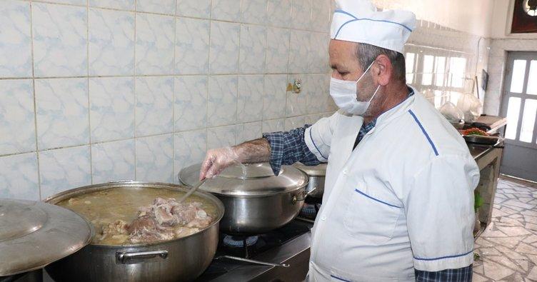Turizm şehri Midyat'ta işletmeler yeniden açıldı