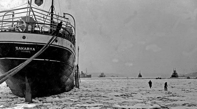 İstanbul Boğazı'nın donduğu gün