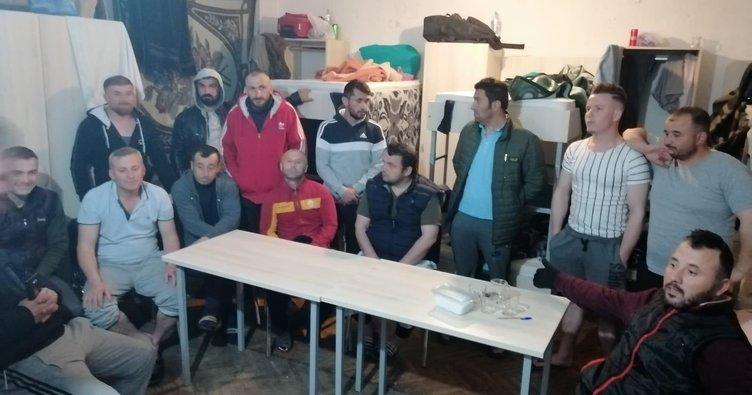 Üsküp'te mahsur kalan   26 işçi yardım bekliyor