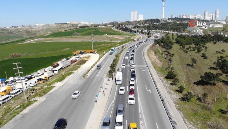Akıl alır gibi değil! İstanbul'da yazlıkçı trafiği oluştu!