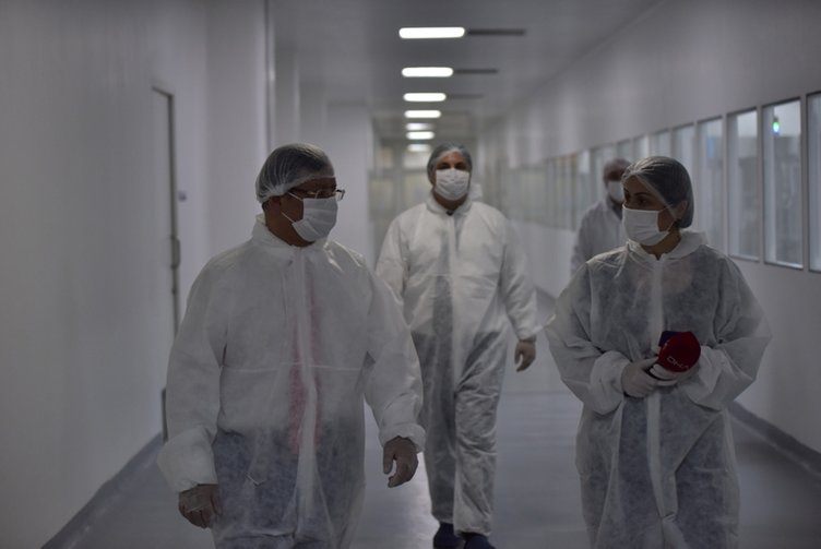 Coronavirüse karşı en etkili ilacın üretildiği tesisten dikkat çeken görüntüler! Covid-19 aşısı için de çalışmalar başlıyor...