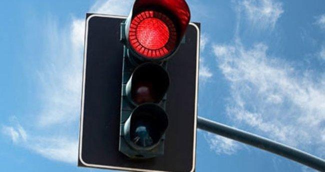 Kırmızı ışıkta geçme cezası 2020: Kırmızı ışıkta geçme cezası ve erken ödeme ücreti ne kadar?