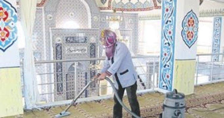 Camilere 10 yılda 14 bin temizlik