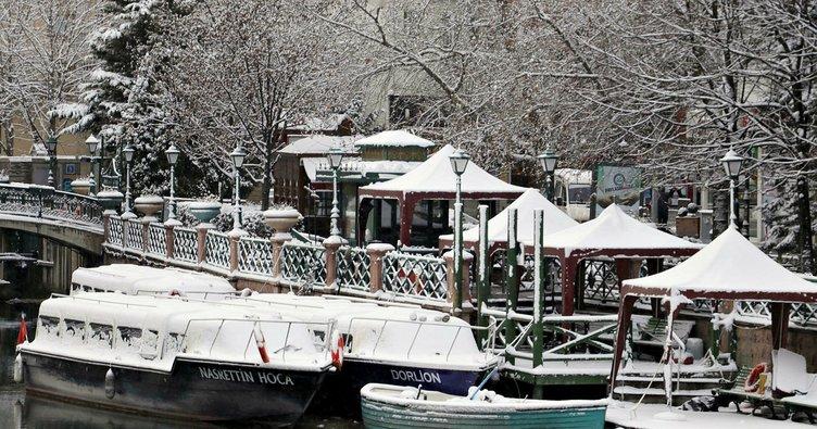 Eskişehir'de yağan kar, kartpostallık görüntüler oluşturdu