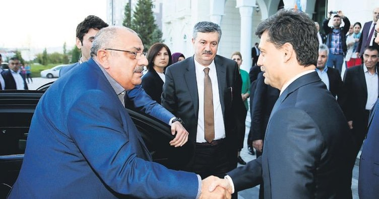 AK Partililer Altındağ'da gündemi değerlendirdi