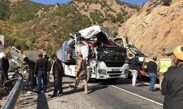Şemdinli yolunda tır kaza yaptı: 1 ölü #hakkari