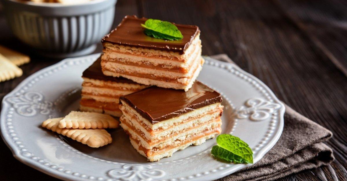 Bisküvili pasta tarifi: Kakaolu pudingli bisküvili pasta nasıl ...