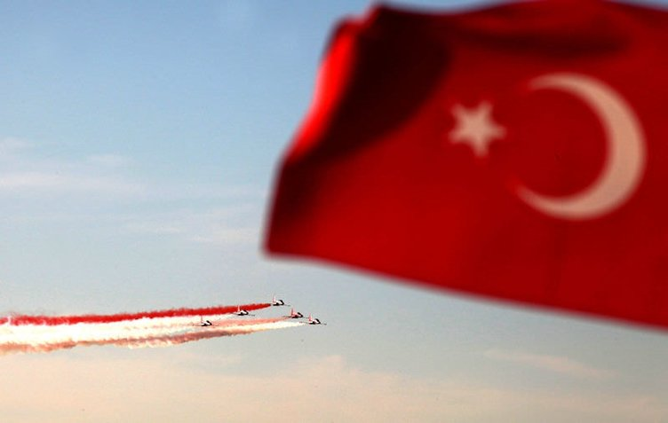 Türk Yıldızları'dan unutulmaz bir gösteri