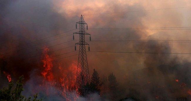 Yunanistan alevlere teslim: Atina'da gökyüzünü duman kapladı