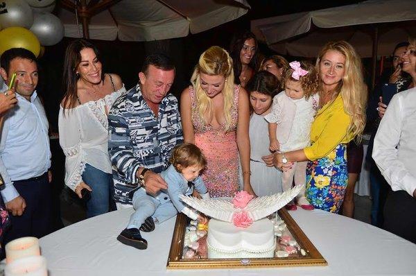 Petek Ertüre'ye görkemli doğum günü