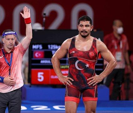 Olimpiyatlarda Taha Akgül final şansını kaybetti!