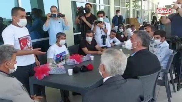 Evlat nöbeti tutan ailelerden CHP'li vekile tepki   Video