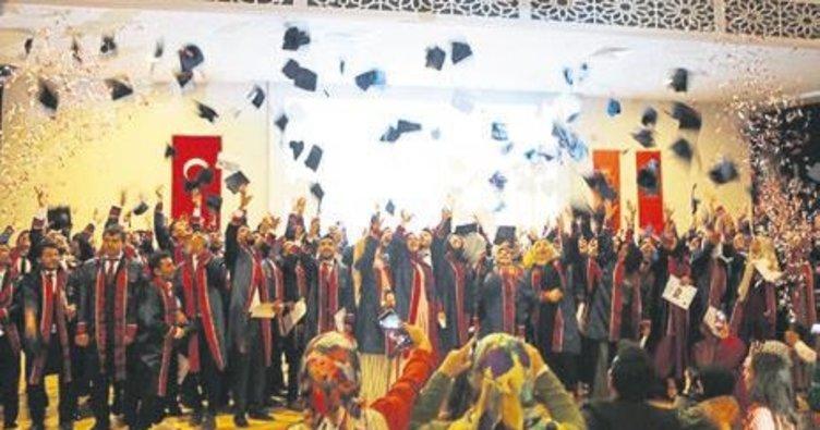 İlâhiyatta ilk mezuniyet sevinci