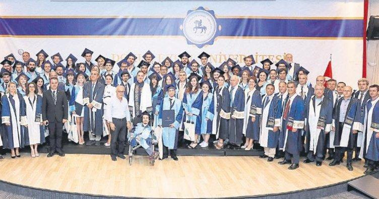 Dokuz Eylül'de ortak mezuniyet heyecanı
