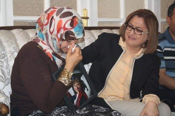 Fatma Şahin gözyaşları içinde dinledi