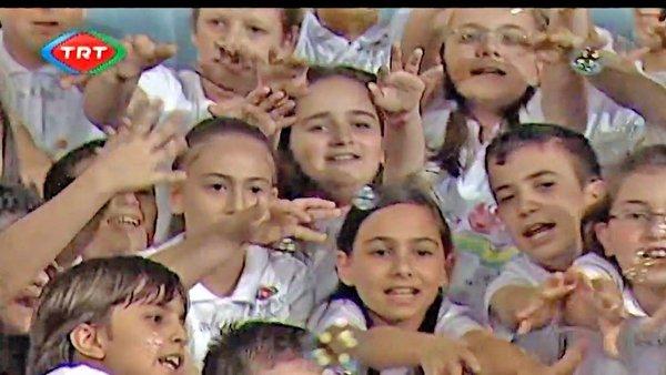 23 Nisan şarkıları! TRT Çoksesli Çocuk Korosu'dan özel 23 Nisan Şarkısı