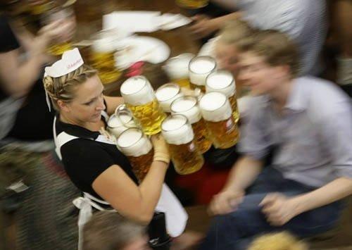 Bira su gibi aktı