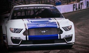 2019 Ford Mustang Monster Energy Nascar tanıtıldı!