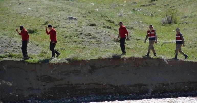 Kars'ta sabahın ilk ışıklarıyla Nurcan'ı arama çalışmaları yeniden başladı