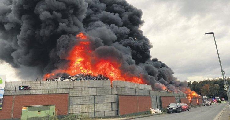 Hurdalıkta korkutan yangın