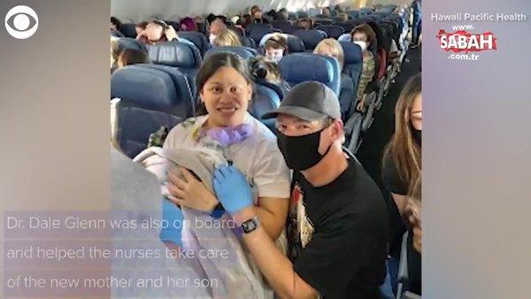 ABD' de sıra dışı olay! Hamile olduğunu bilmeyen yolcu uçakta doğum yaptı | Video