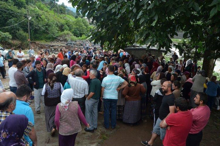 Artvin Hopa'da cenazeler böyle toprağa verildi!