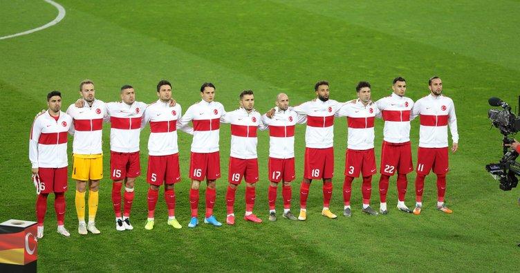 Türkiye FIFA sıralamasında bir basamak geriledi