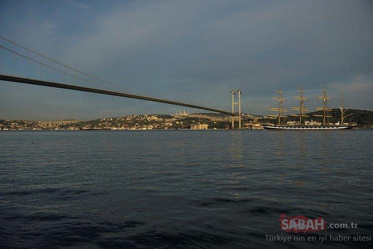 Dünyanın en büyük yelkenli gemisi İstanbul'dan böyle geçti