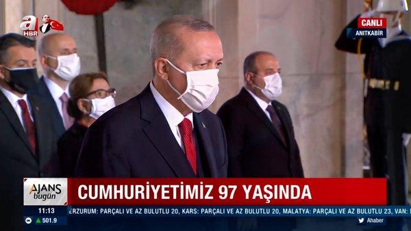 Son dakika! Cumhurbaşkanı Erdoğan Anıtkabir'de saygı duruşunda bulundu | Video