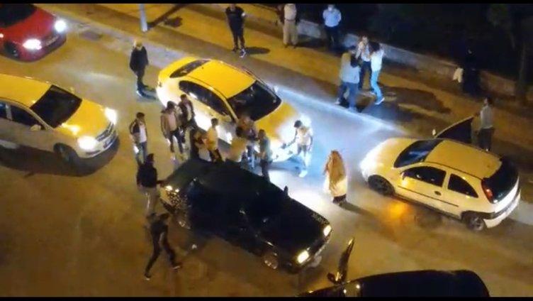 SON DAKİKA! Çorum'da cadde bir anda karıştı! Dakikalarca yumruklaştılar, imam bu sözlerle ayırdı