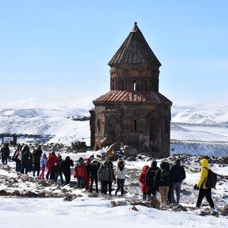 """""""Orta Çağ'ın hoşgörü kenti Ani"""" kışın da ilgi görüyor"""