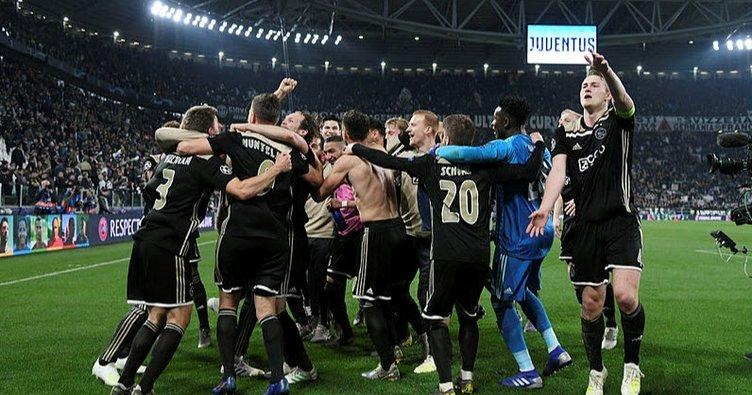 Total Futbol'a güncelleme geldi: Total Futbol 2.0 Ajax!