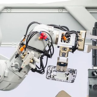 Apple'ın telefon parçalama robotu: Daisy