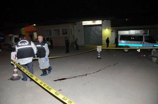 Polise saldırıp hükümlüyü kaçırdılar