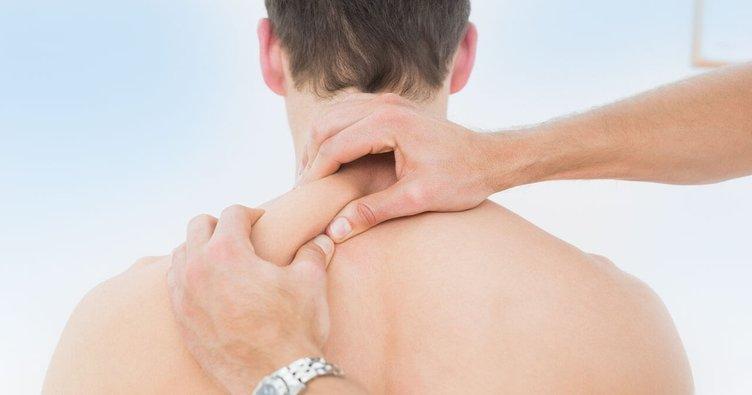 Boyun fıtığı belirtileri nelerdir, boyun fıtığı ameliyatı ve tedavisi nasıl olur?