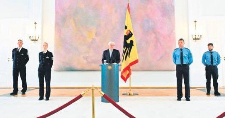 Steinmeier ezber bozdu