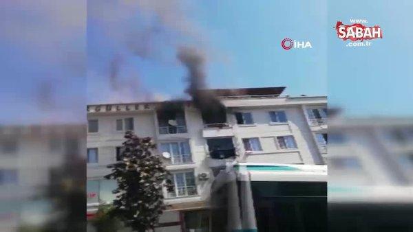 Esenyurt'ta 4 katlı binada çıkan yangında mahsur kalan kişileri vatandaşlar kurtardı   Video