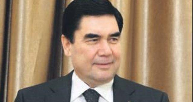 Türkmenistan'da 70 yaş sınırı kaldırıldı